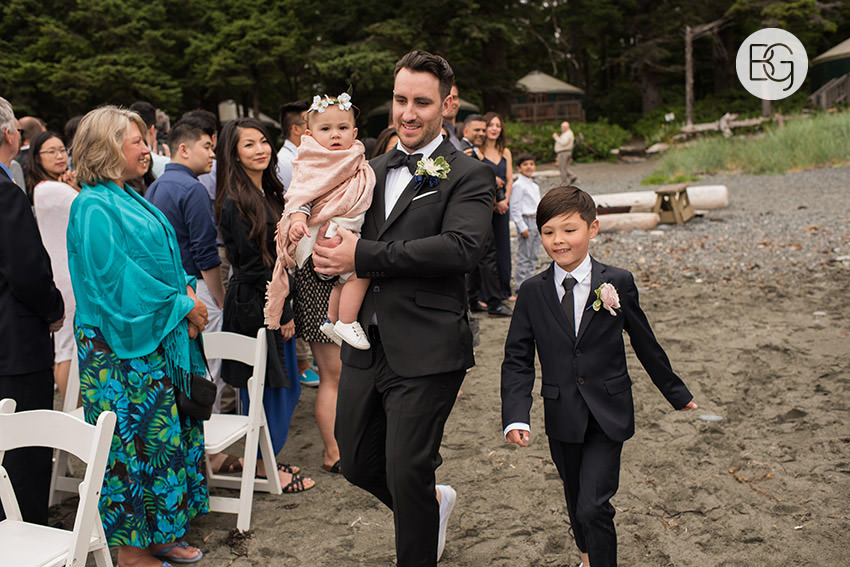 LindaMatt_blog_tofino_wedding_34.jpg