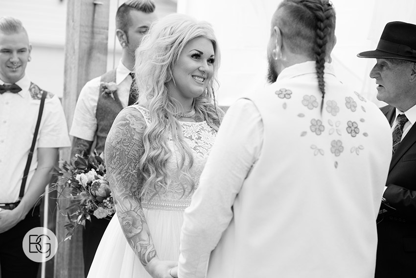 Edmonton-wedding-photographers-nicole-colm-17.jpg