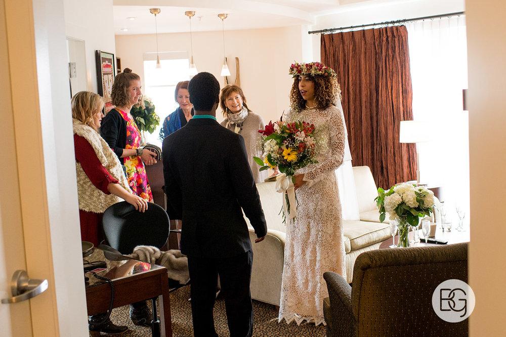 Chloe_Shane_edmonton_wedding_photographer_el_cortez_neon_10.jpg