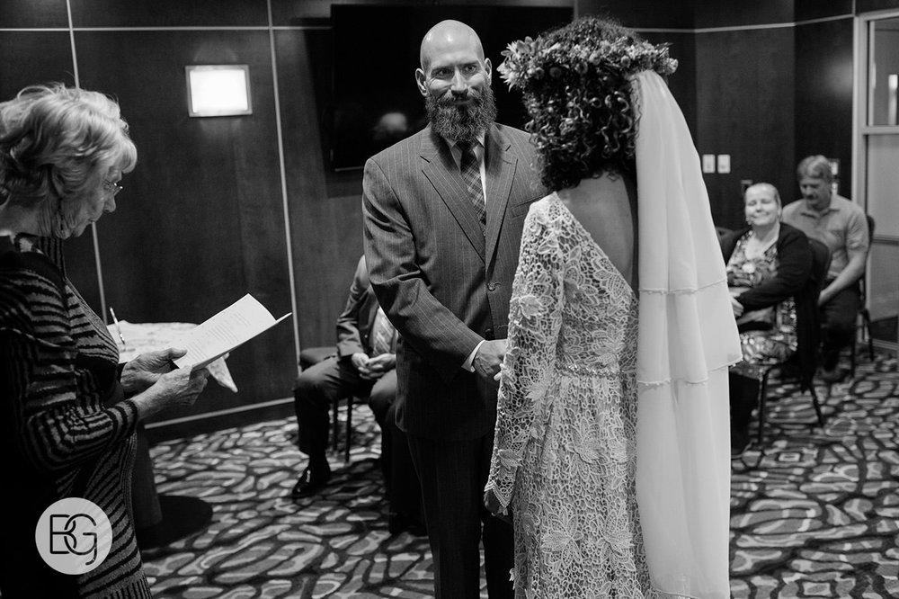 Chloe_Shane_edmonton_wedding_photographer_el_cortez_neon_13.jpg