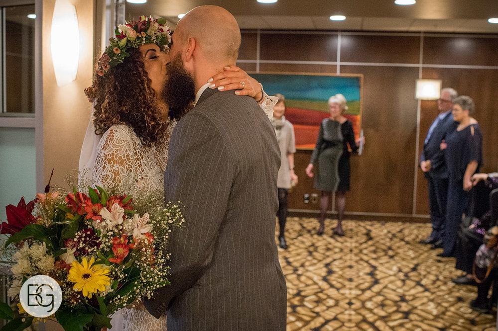Chloe_Shane_edmonton_wedding_photographer_el_cortez_neon_21.jpg