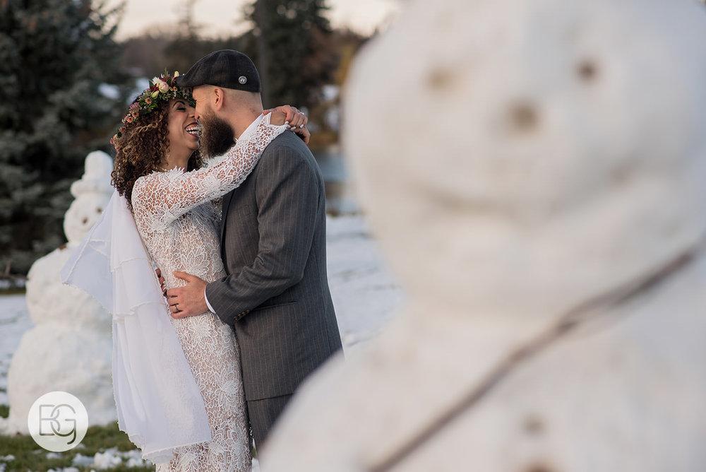 Chloe_Shane_edmonton_wedding_photographer_el_cortez_neon_28.jpg