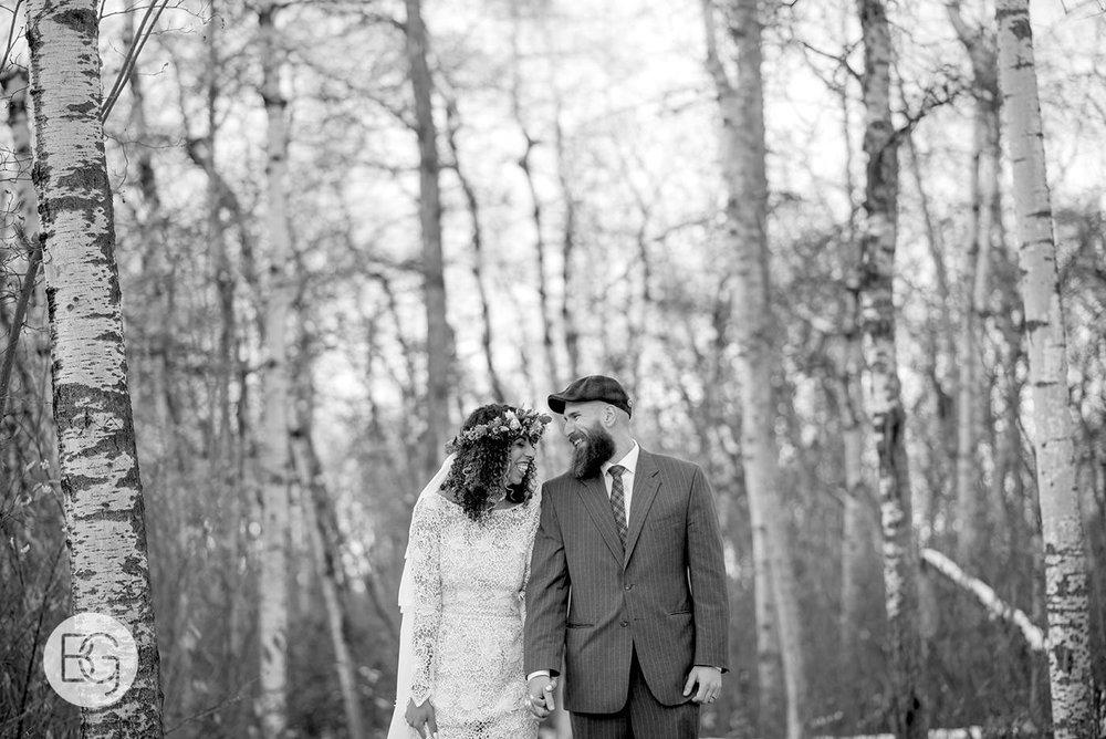 Chloe_Shane_edmonton_wedding_photographer_el_cortez_neon_31.jpg