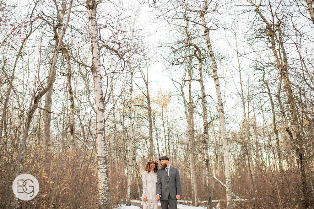 Chloe_Shane_edmonton_wedding_photographer_el_cortez_neon_32.jpg