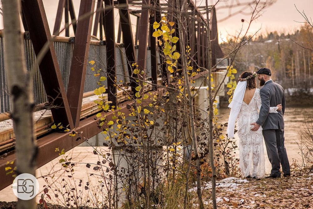 Chloe_Shane_edmonton_wedding_photographer_el_cortez_neon_33.jpg