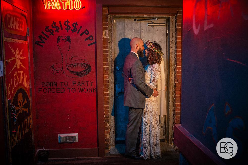 Chloe_Shane_edmonton_wedding_photographer_el_cortez_neon_39.jpg