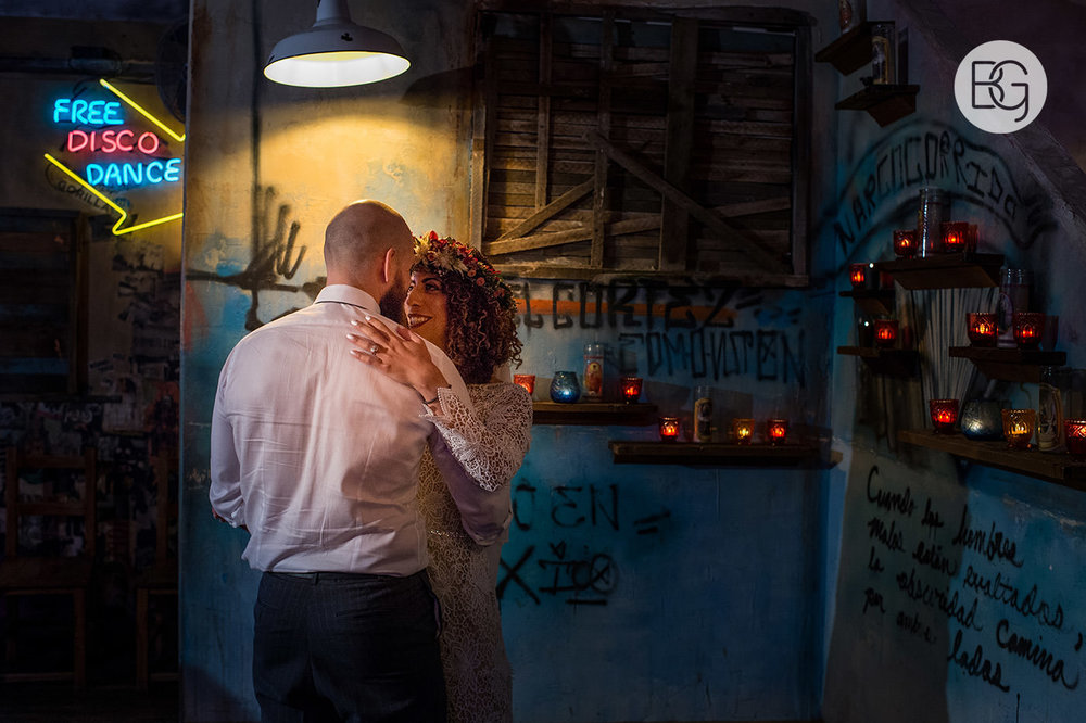 Chloe_Shane_edmonton_wedding_photographer_el_cortez_neon_48.jpg