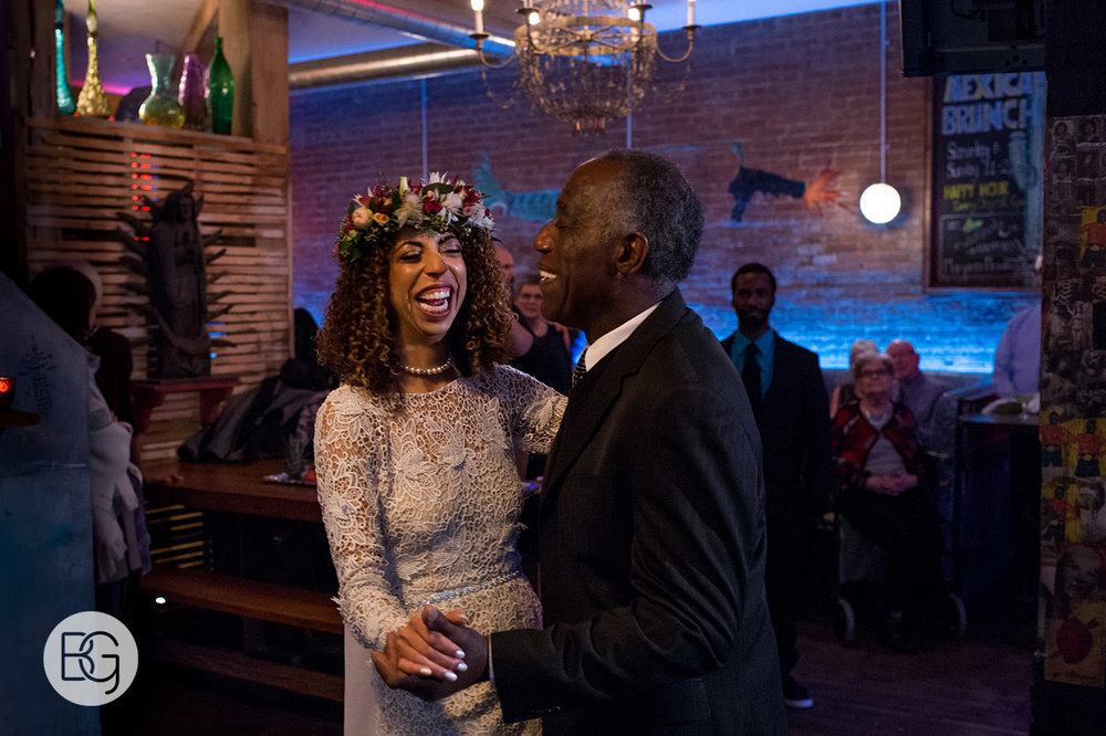 Chloe_Shane_edmonton_wedding_photographer_el_cortez_neon_50.jpg