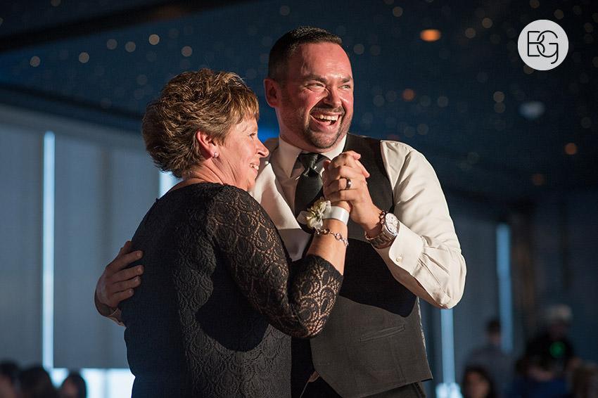 Edmonton_wedding_photographers_delta_south_top_of_the_inn_taylor_kail_31.jpg