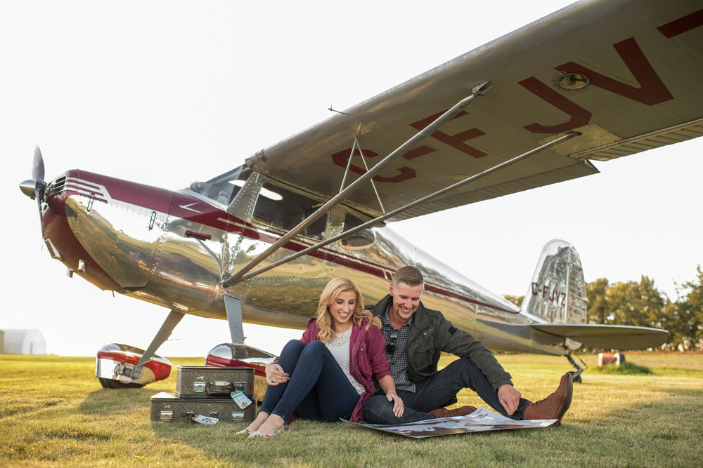Edmonton_plane_airport_rolls_royve_engagement_photo_karen_ben_03.jpg