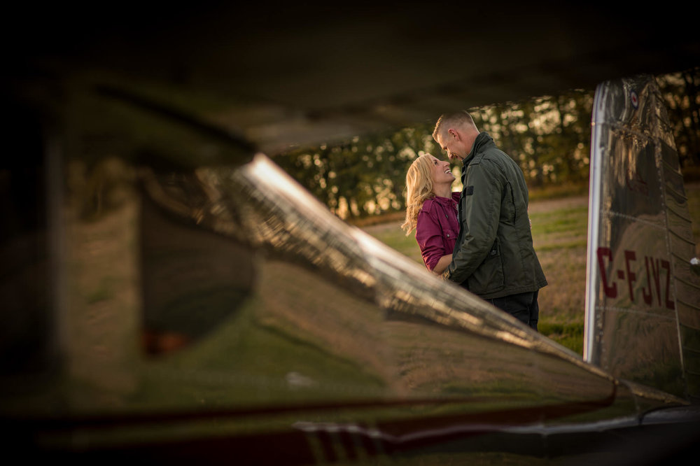 Edmonton_plane_airport_rolls_royve_engagement_photo_karen_ben_06.jpg