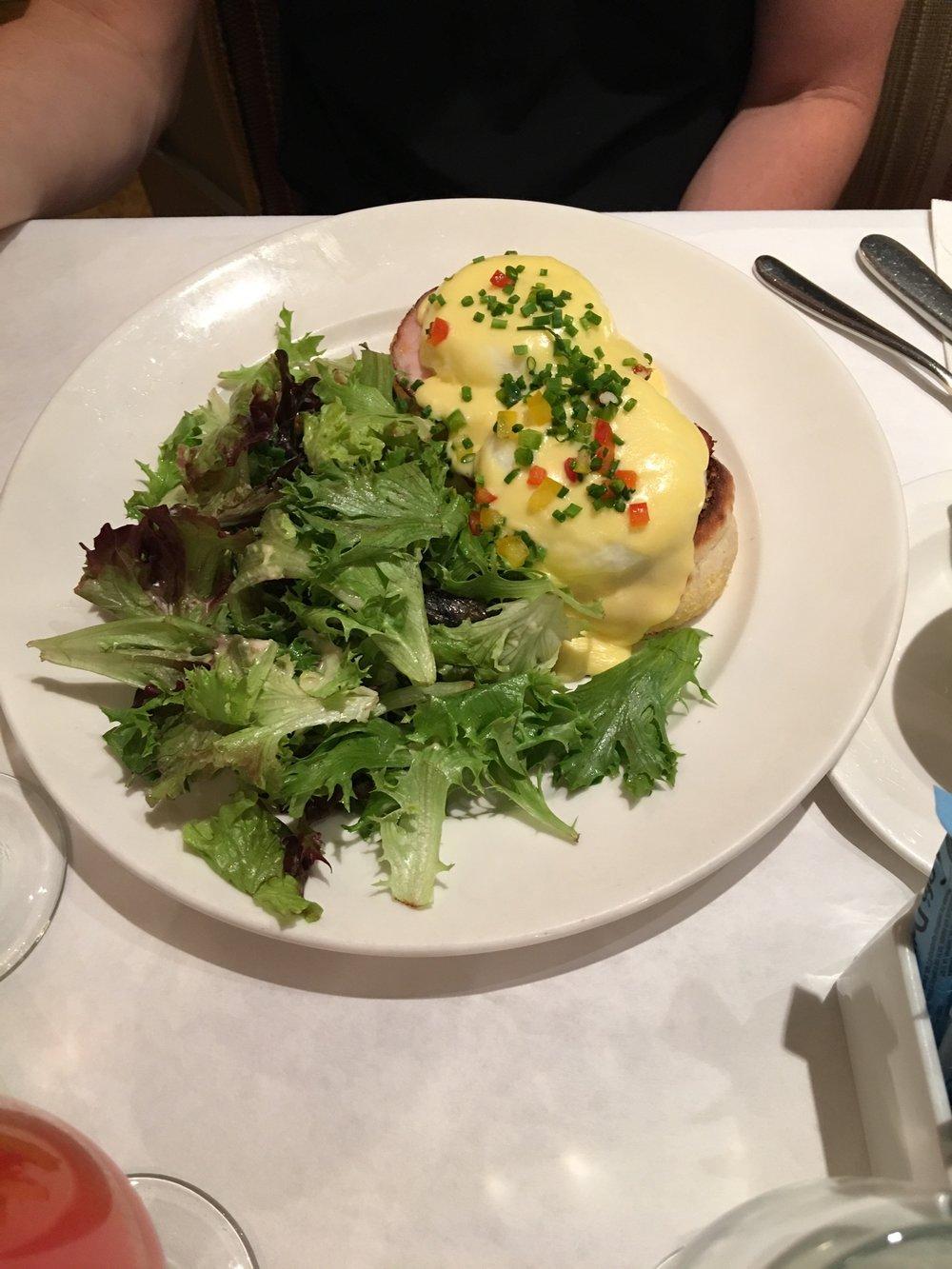 Ryan's Eggs Benedict