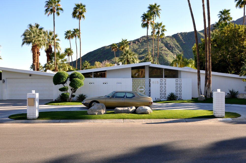 The architecture in Palm Springs is so amazing.
