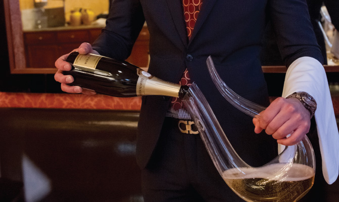 dekantera champagne.jpg