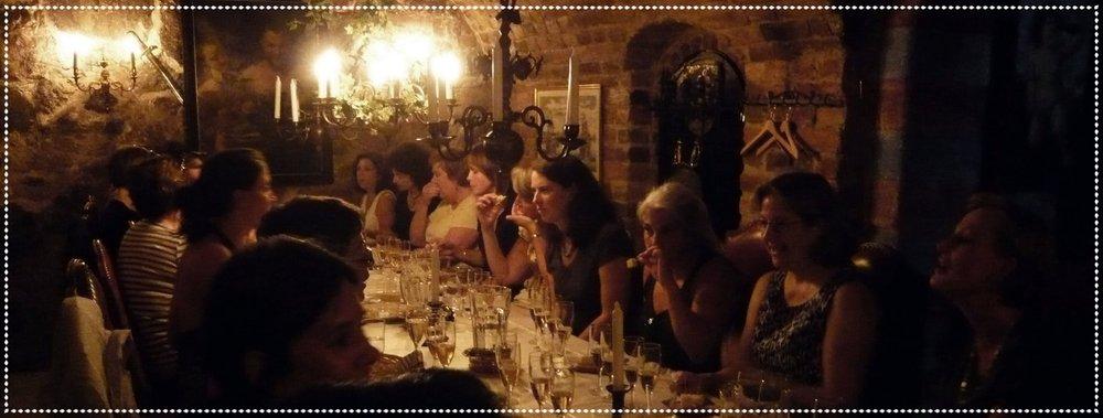 ..stilfull möhippa med champagne i Stockholm i ett chambre  séparée  - privat rum