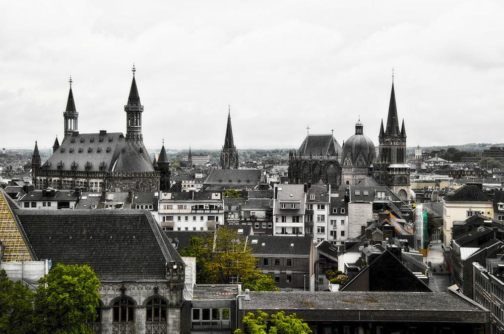 Aachen, Dom und Rathaus. Foto: Martin Matysiak (Creative Commons Lizenz, Vva Flickr)