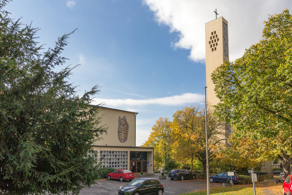 Außenansicht der Kirche Heilige Familie. Foto: 2013 Benjamin Dahlhoff