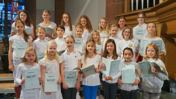 Der große Kinderchor von St. Bonifatius. Foto: Gabriel Dessauer