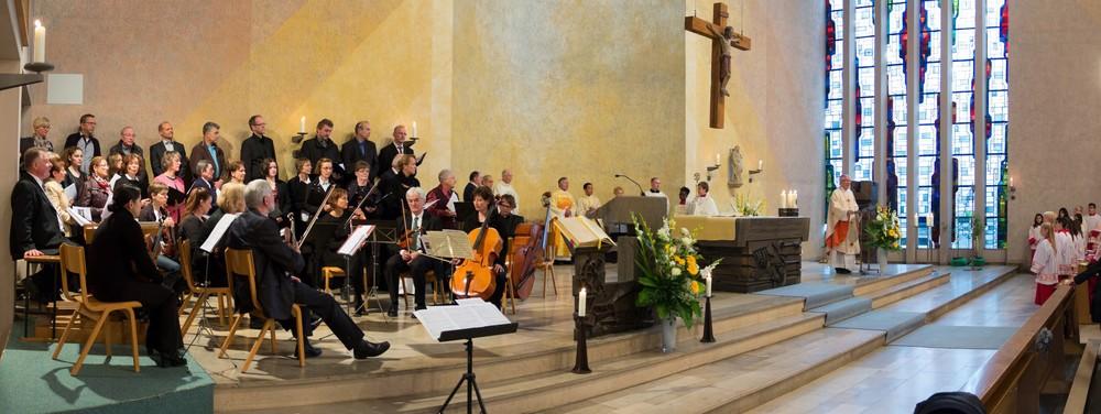 Festgottesdienst mit Chor und Orchester in St. Andreas am 21.6.2015. Foto: B. Dahlhoff