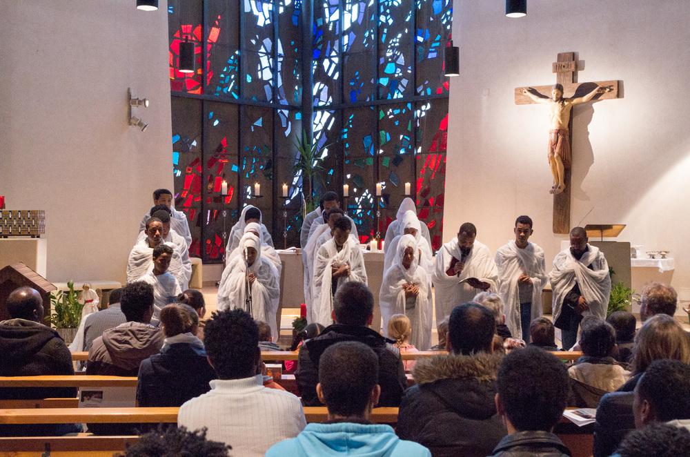Der Chor der eritreischen Gemeinde in St. Michael. Foto: Benjamin Dahlhoff