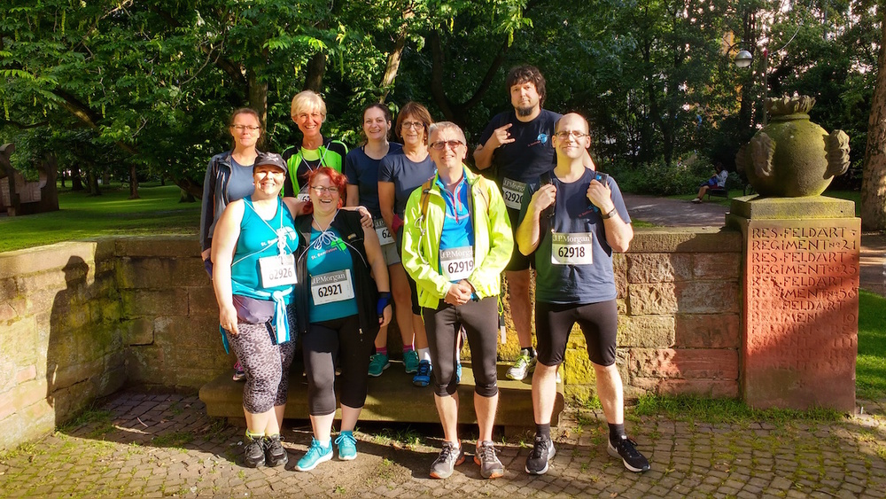 Das Team Bonifatius vor dem Lauf in Frankfurt am 15.6.2016