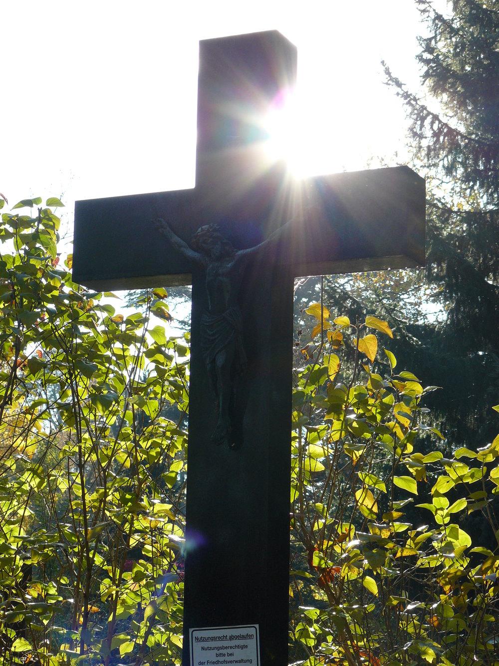 Kreuz Friedhof.JPG