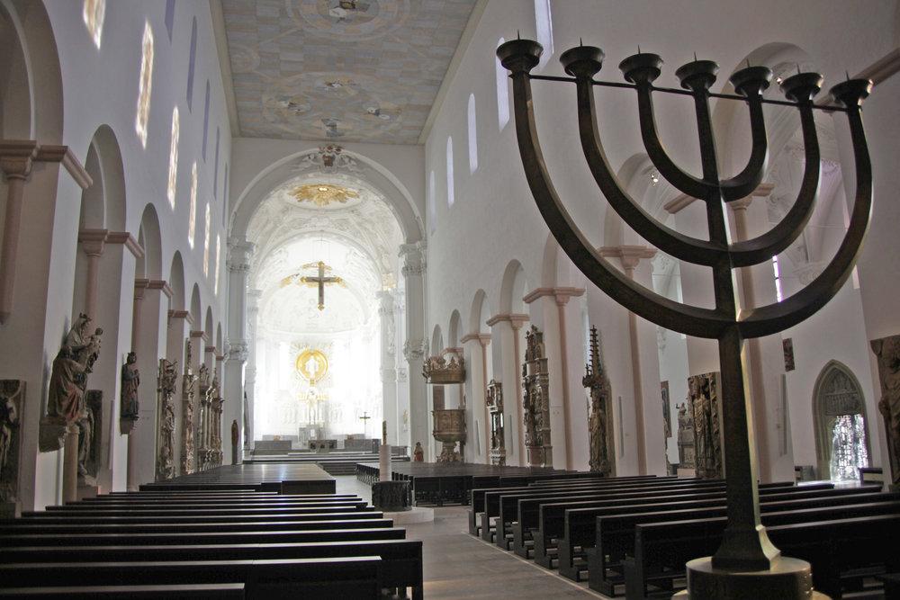 Würzburger Dom Innenaufnahme  Foto Markus Hauck.JPG