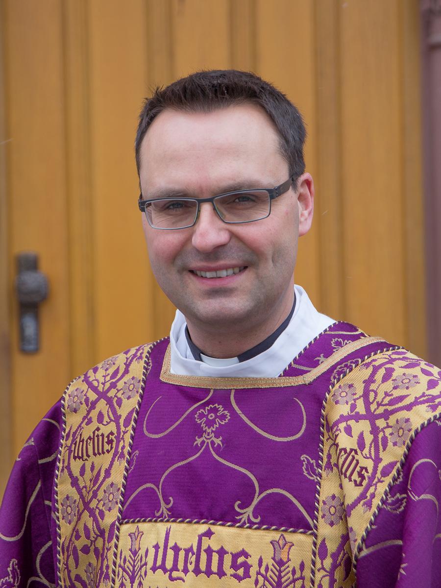 Diakon Gregor Mathey vor der Heiligen Messe in St. Bonifatius. Bild: 2018 B. Dahlhoff