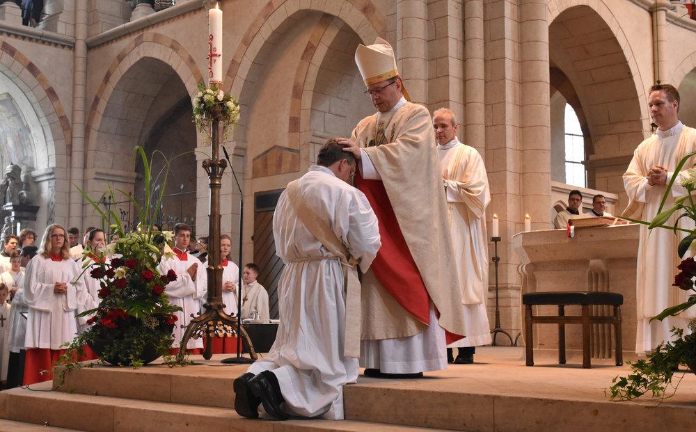 Priesterweihe_Symbol3.jpg