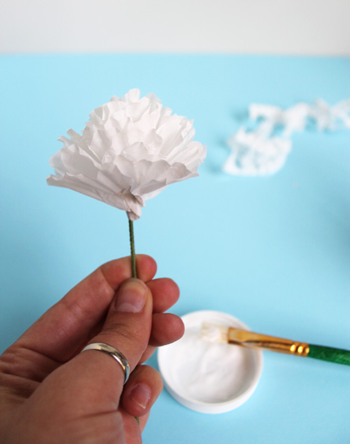Cupcake-Wrapper-Paper-Flower-DIY 6.jpg