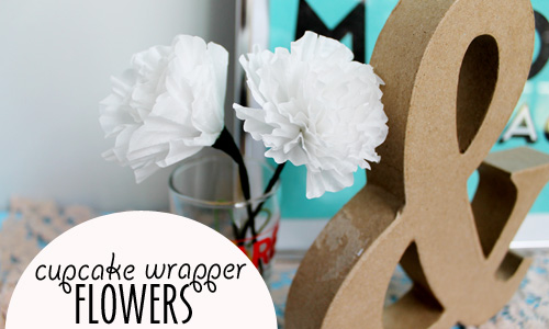 Cupcake-Wrapper-Paper-Flower-DIY 11.jpg