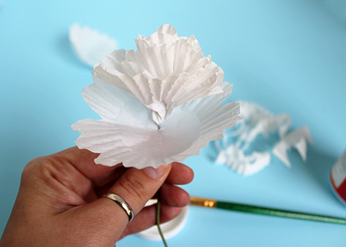 Cupcake-Wrapper-Paper-Flower-DIY 5.jpg