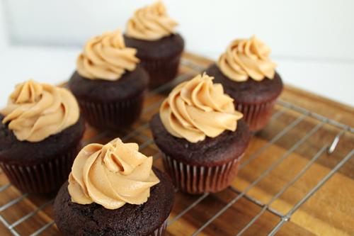 Peanut-Butter-Cupcakes-4.jpg