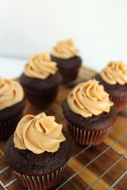 Peanut-Butter-Cupcakes-3.jpg