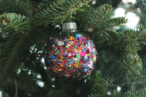 Confetti Christmas Ornament 7.jpg