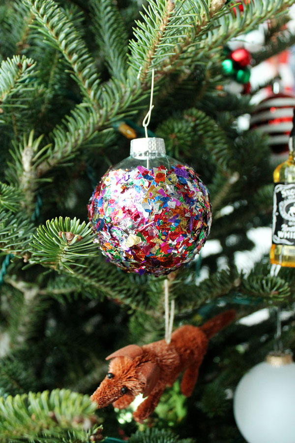 Confetti Christmas Ornament 10.jpg