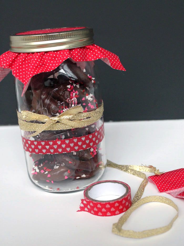 Pretzel Valentine Jar 4.jpg