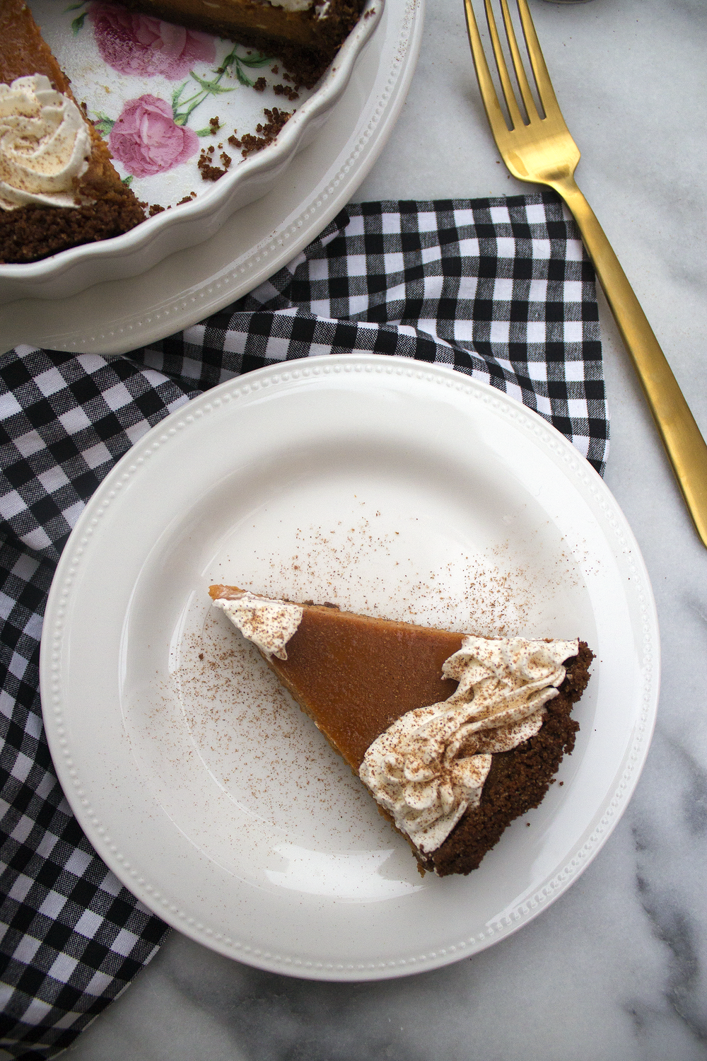 Pumpkin Pie Tart with a Gingersnap Crust via Unusually Lovely
