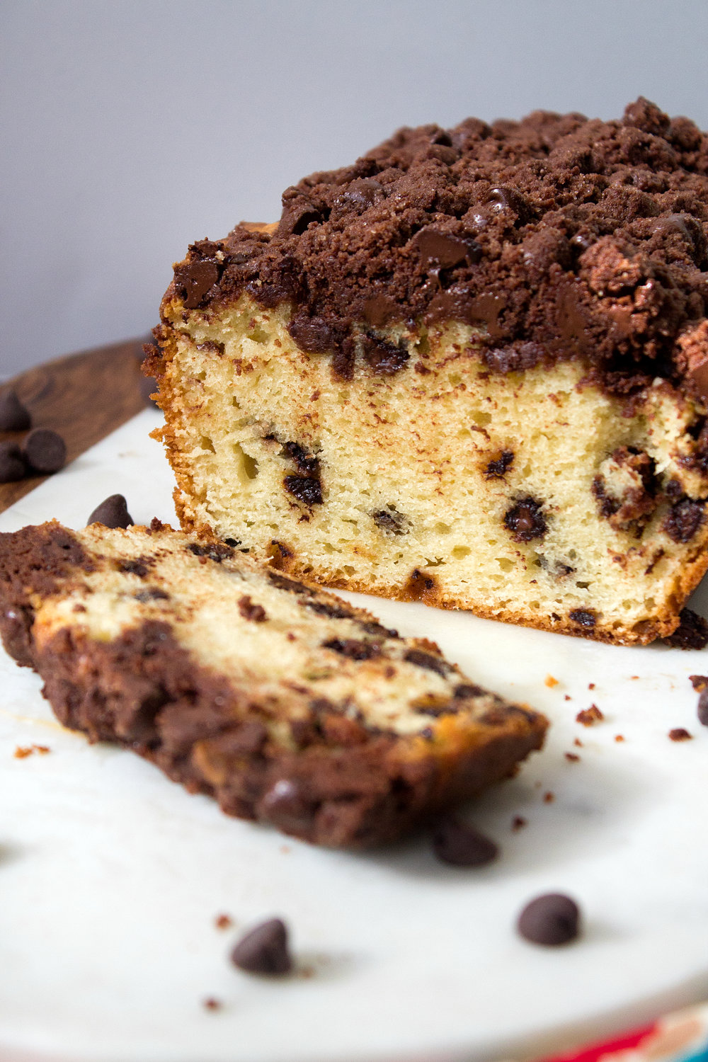 Double Chocolate Chip Crumb Cake from UnusuallyLovely.com