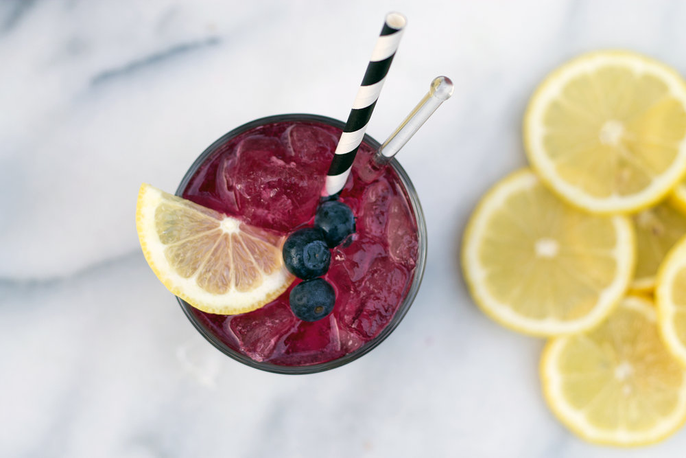 Boozy Blueberry Lemonade from UnusuallyLovely.com