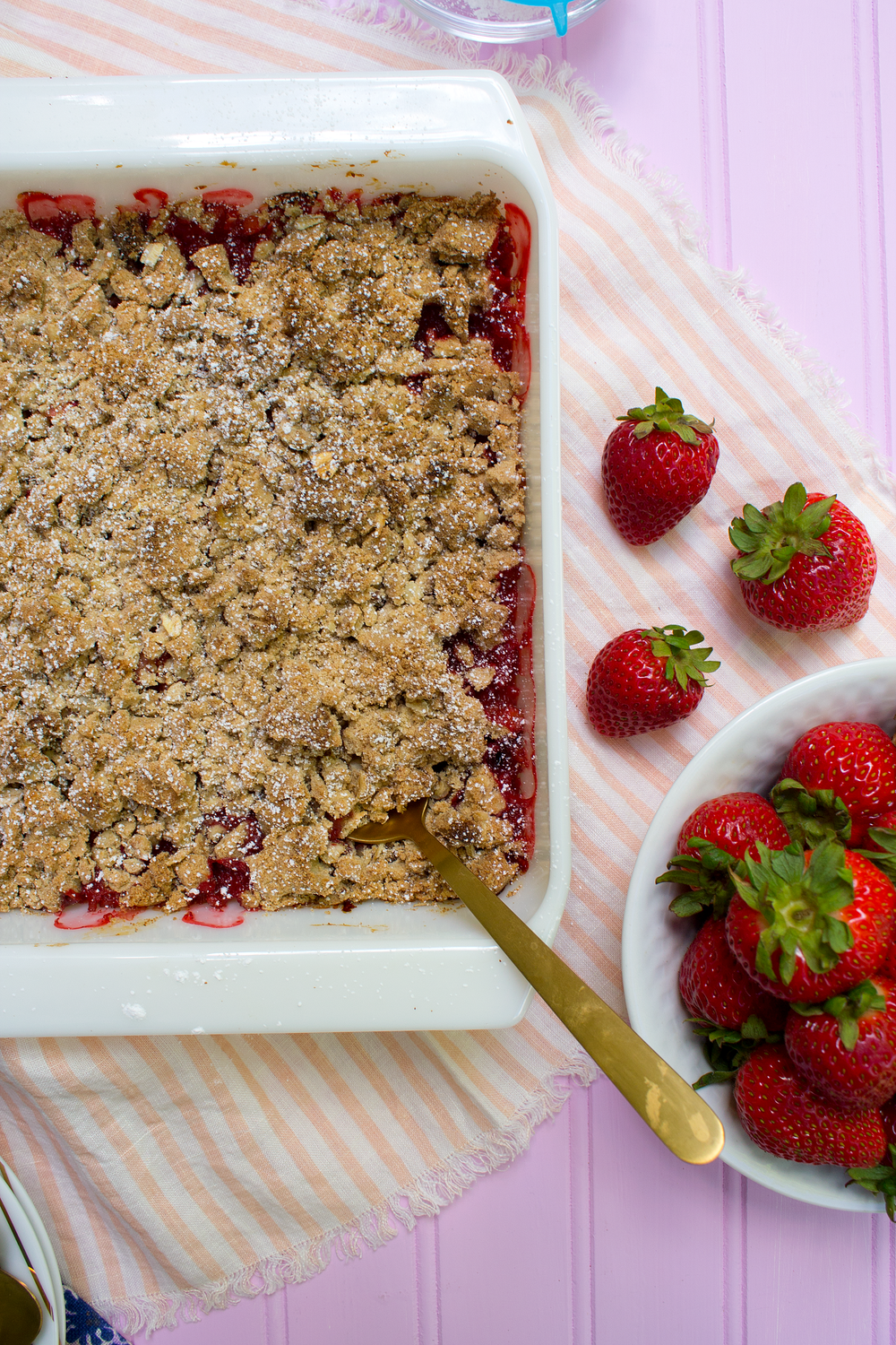Recipe for Strawberry Rhubarb Crisp from the Unusually Lovely Blog.