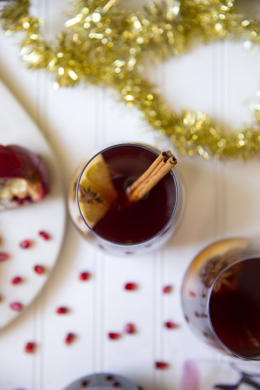 Garnish this Mulled Wine with pomegranate seeds, cinnamon sticks, orange slices or star anise. UnusuallyLovely.com