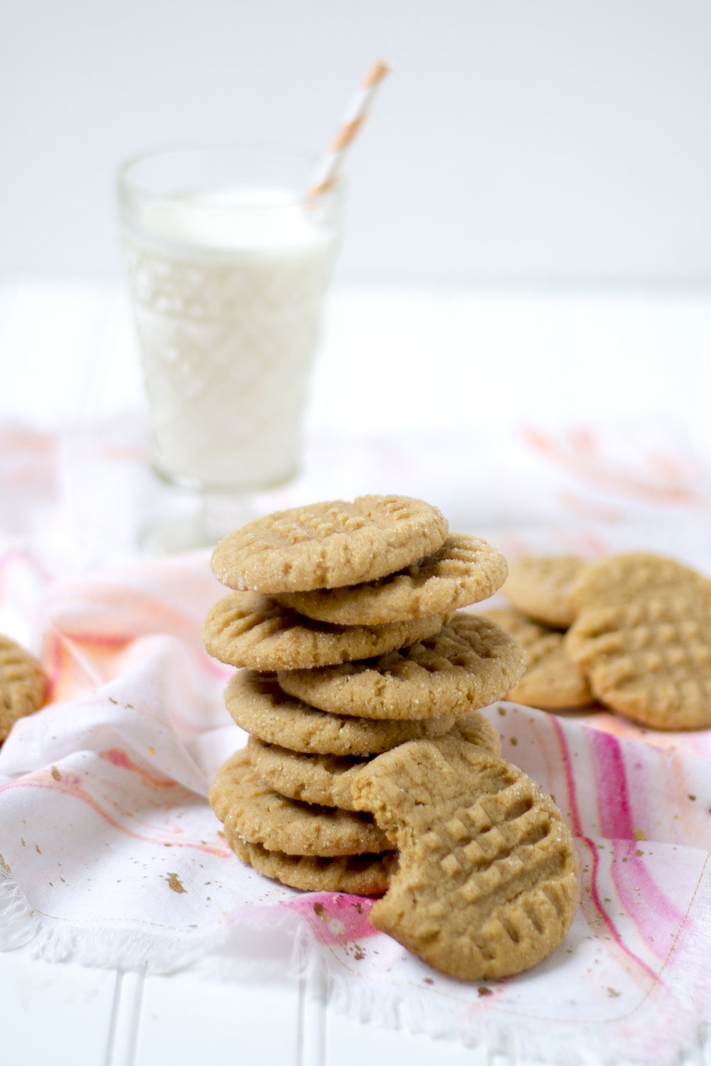 salty and sweet, the best combination! Get the recipe for these Salty Peanut Butter Cookies: unusuallylovely.com