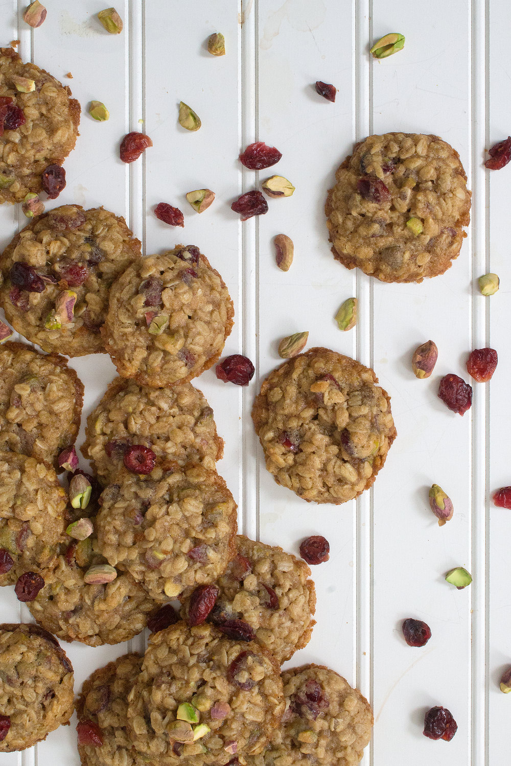 Oatmeal Cookies with Pistachios and Cranberries. Grab the recipe: Unusuallylovely.com