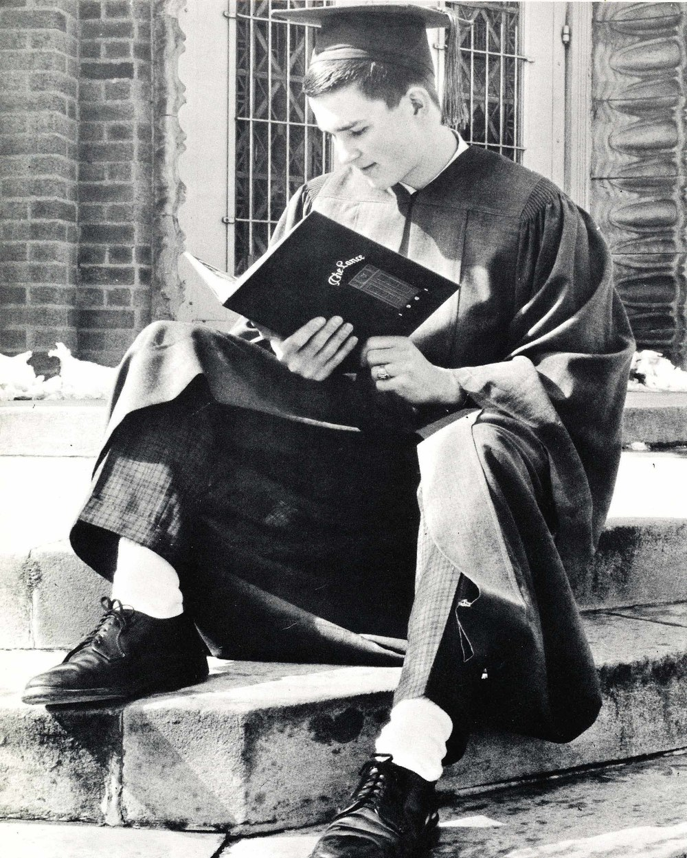 A student reads The Lance in 1961.
