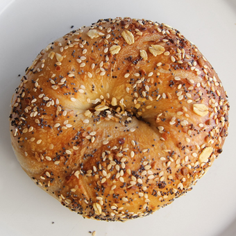 featured_1-dozen-everything-bagels.157c4d32da0d18584eb8aa1dee43aa36.png