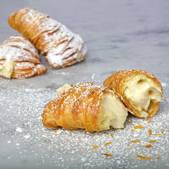 featured_lobster-tail-puff-pastries-1-dozen.deab68a2d4505c9e12148b0ddd08f480.png
