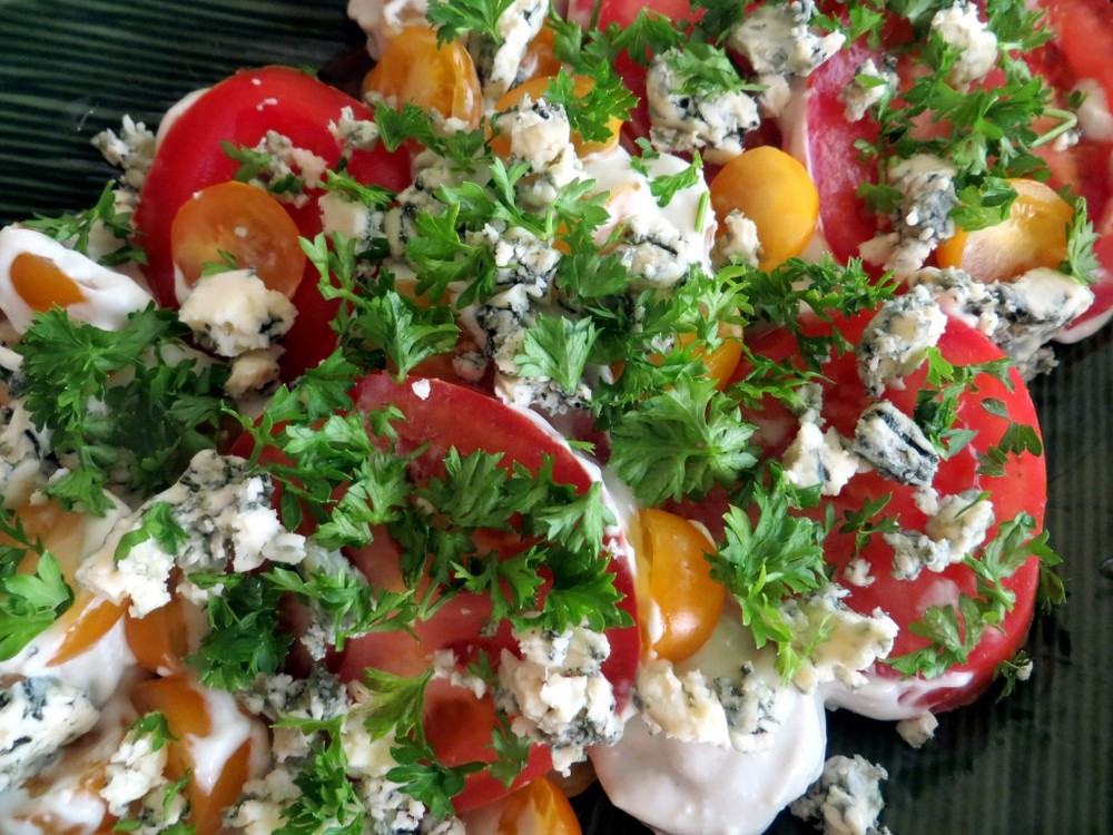 Heirloom Tomatoes with Blue Cheese Dressing