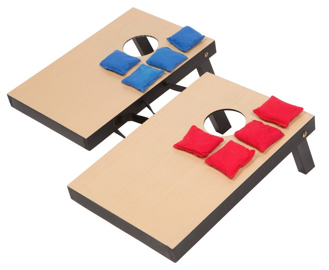 mini cornhole set.jpg