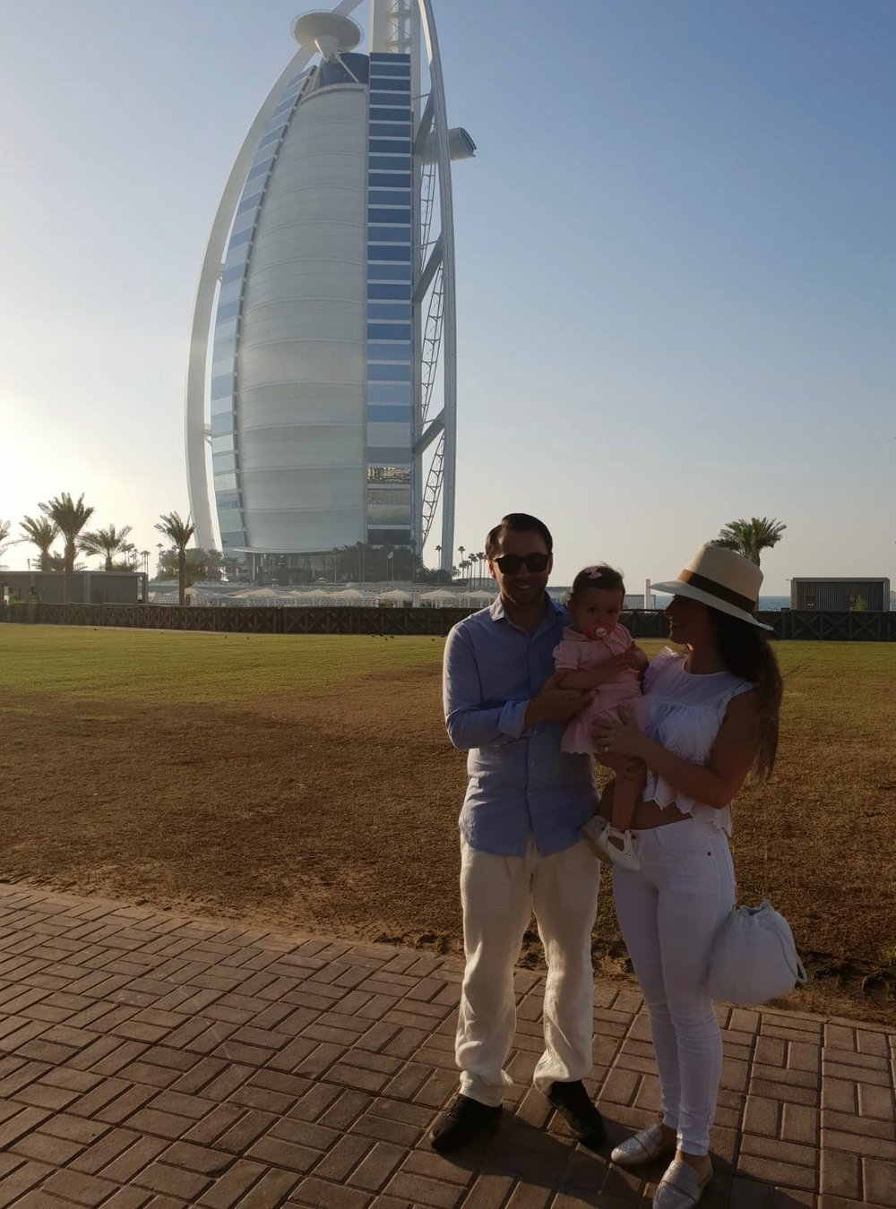 JUMEIRAH BEACH HOTEL • DUBAI, UAE PHOTOGRAPHER: SUZANA